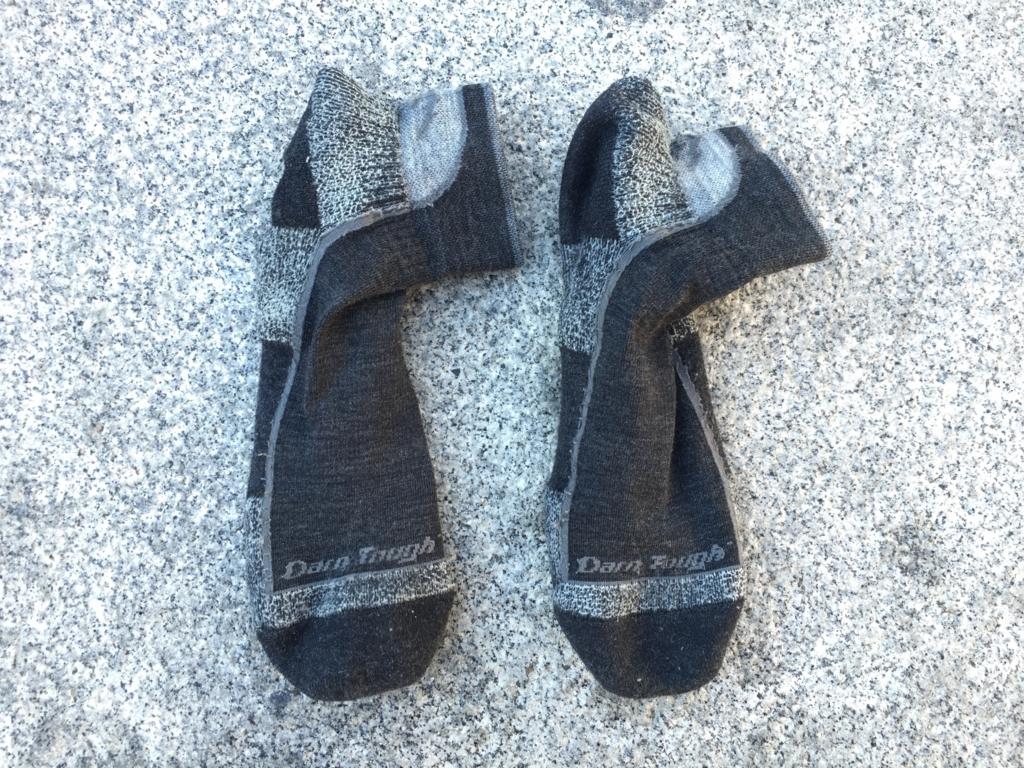 【絶対に破れない】ダーンタフの靴下が最強におすすめ!